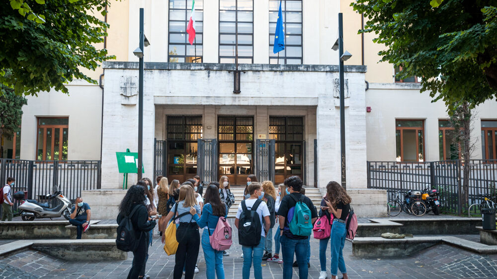 """Il ritorno a scuola degli studenti dell'Umbria: """"Le ..."""